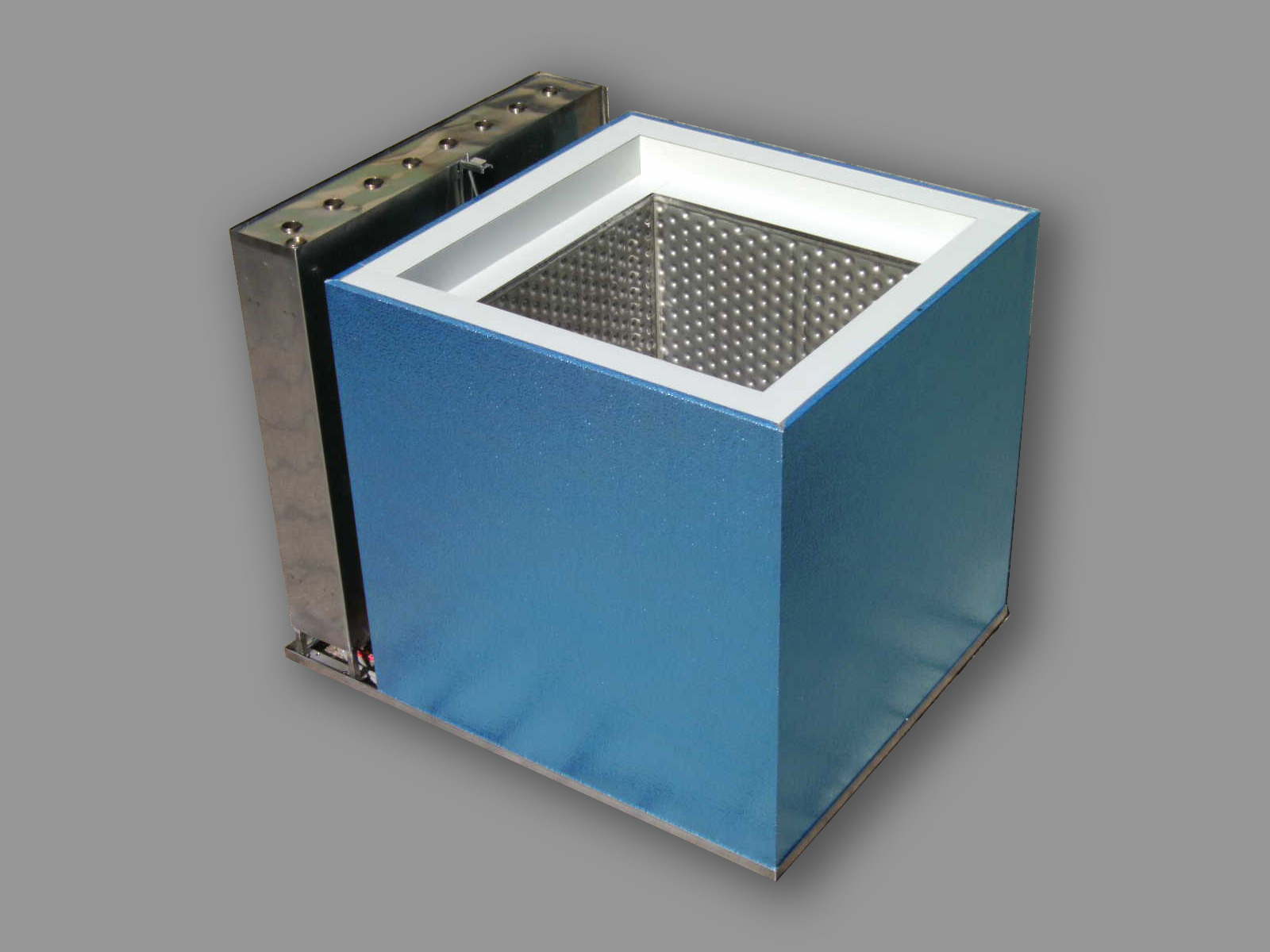 Self-Cooling Freezer Box